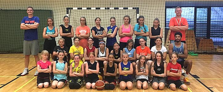 U12-es és U14-es lányaink Esztergomban kezdték meg a felkészülést. - Óbudai Kaszások Kosárlabda Akadémia